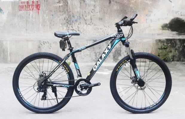 Xe đạp thể thao Galaxy ML200 phiên bản Đen - xanh dương