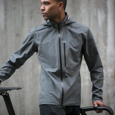 Áo khoác chống thấm khi đi xe đạp