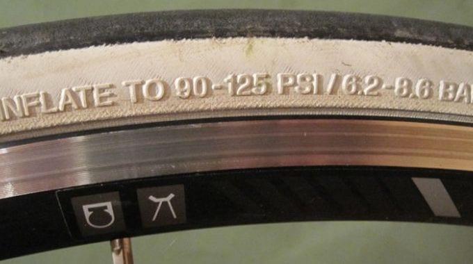 Thiết lập áp suất lốp xe phù hợp