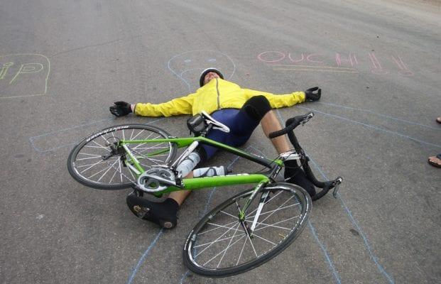 Tai nạn xe đạp có thể xảy ra bất cứ lúc nào