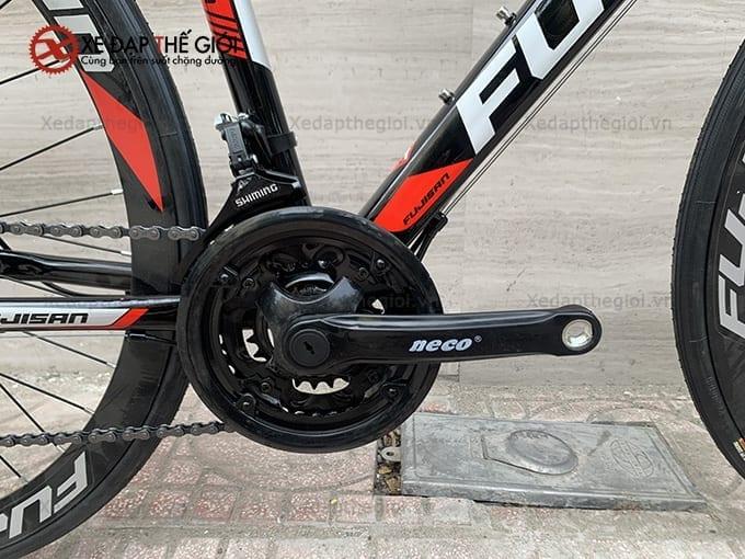 Đùi đĩa kim loại cung cấp sức mạnh truyền lực mạnh mẽ cho vòng đạp